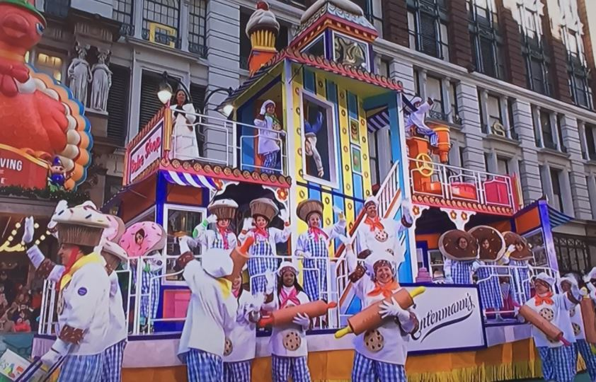 Macy's Thanksgiving Day Parade 2017 Floats Live Pictures Image-9