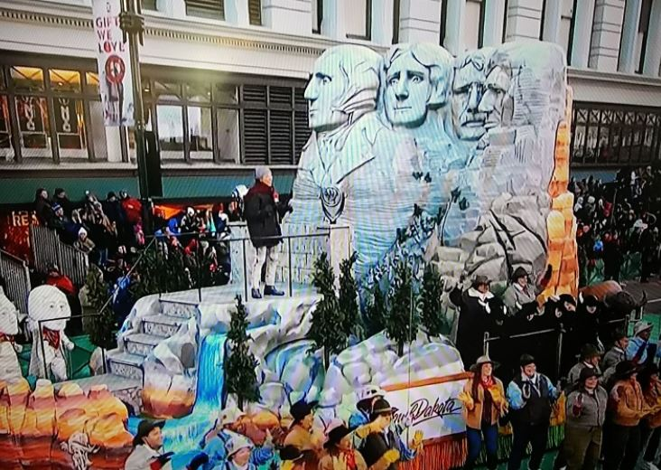 Macy's Thanksgiving Day Parade 2019 Live Pictures Image-12